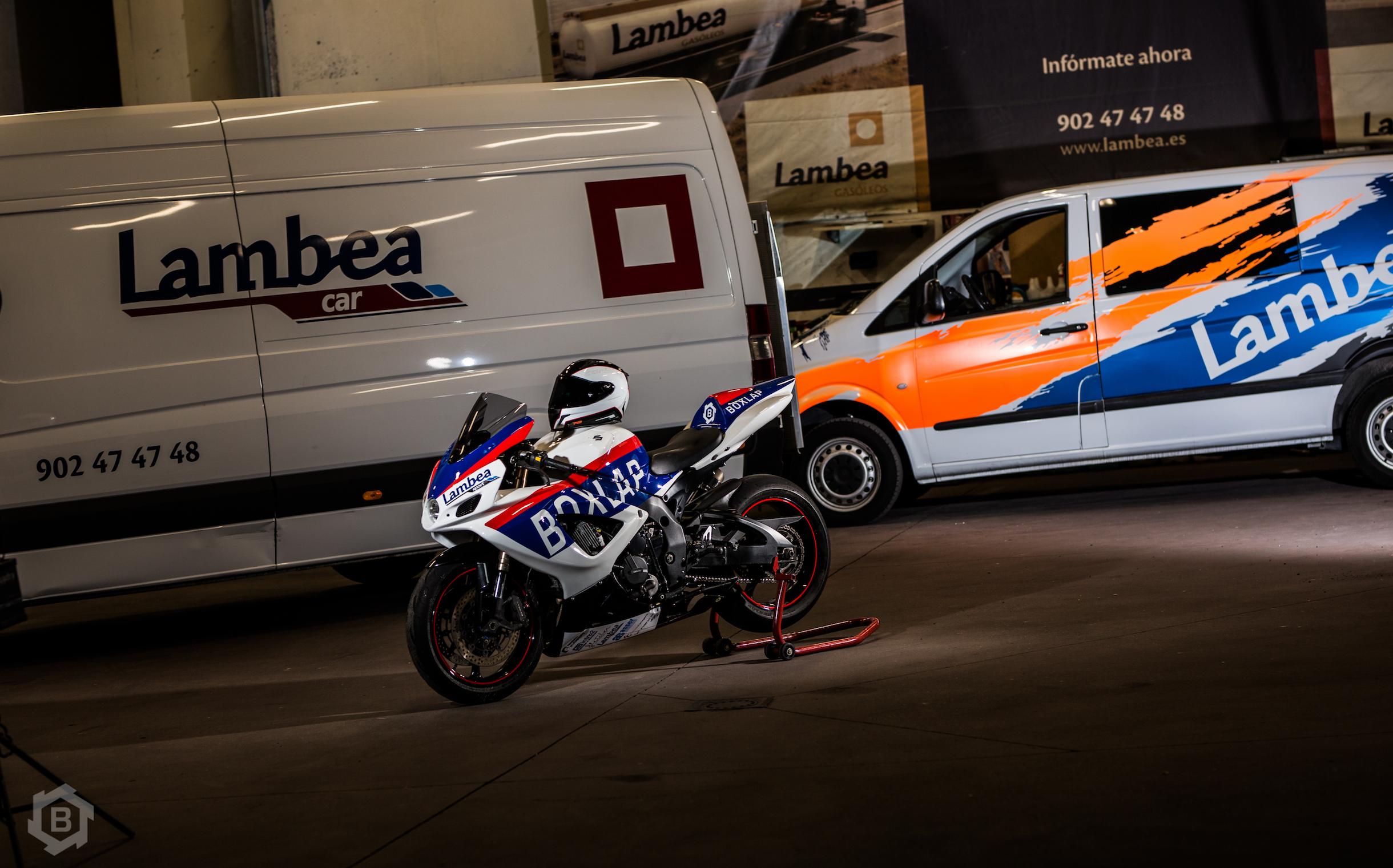 ¿Necesitas transporte para tu moto?